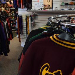 west allis sporting goods store, dunns sporting goods, sports apparel in west allis