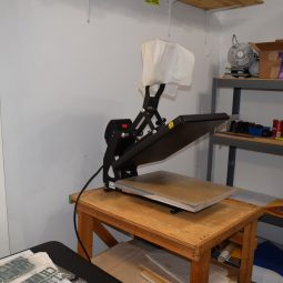 scrren printing in west allis, west allis screen printer, custom screen printing in west allis